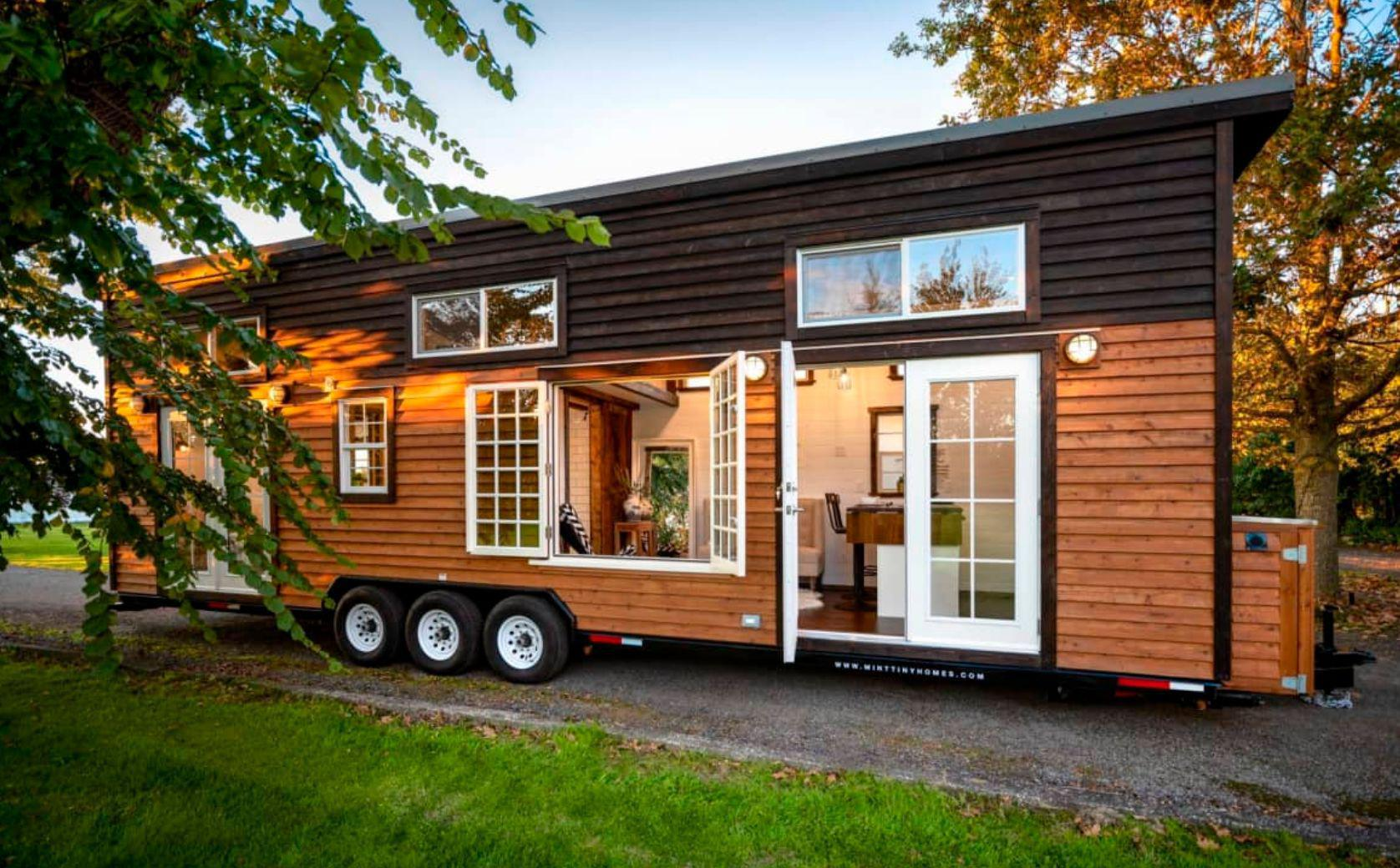 34 Tiny House With Double French Doors