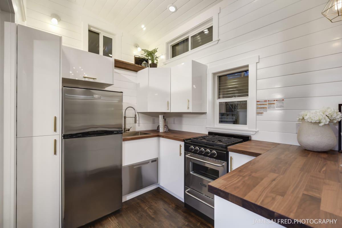 34 Luxurious Tiny House With Custom Loft