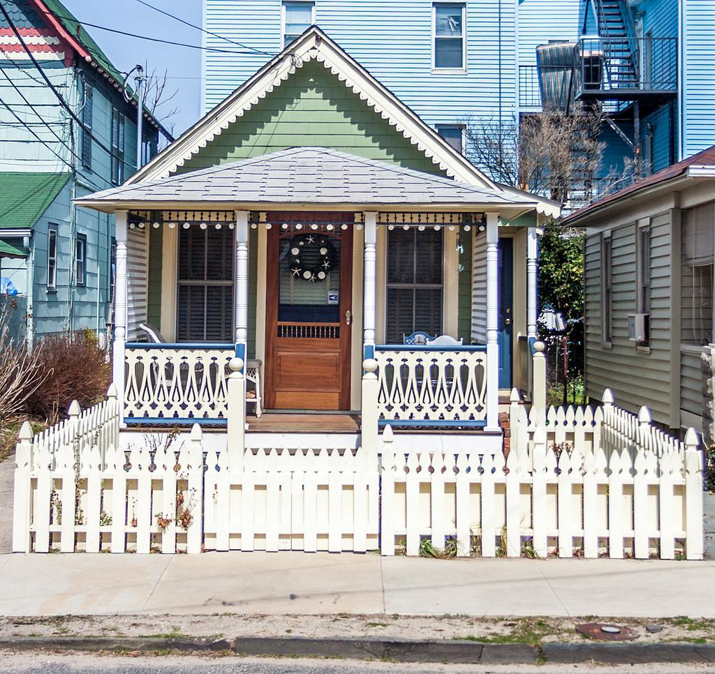 Trend Alert: Tiny Houses On Foundations