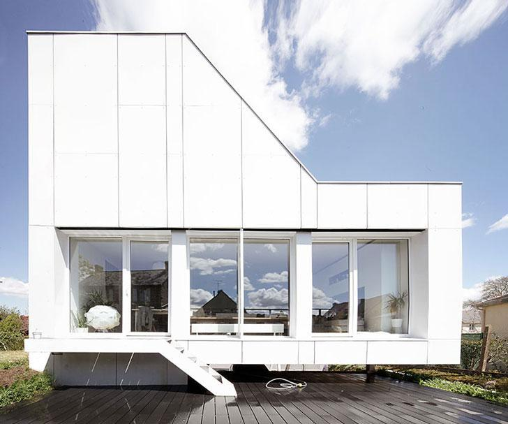 boat style shipping container house